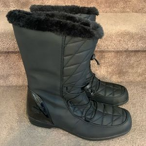 Totes women's black winter boots quilted faux sz 8